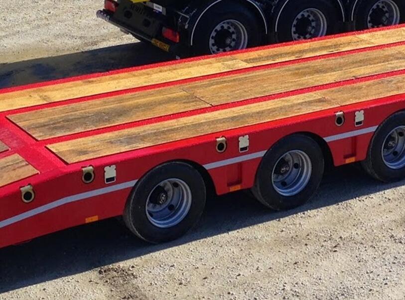 wood board low bed trailer