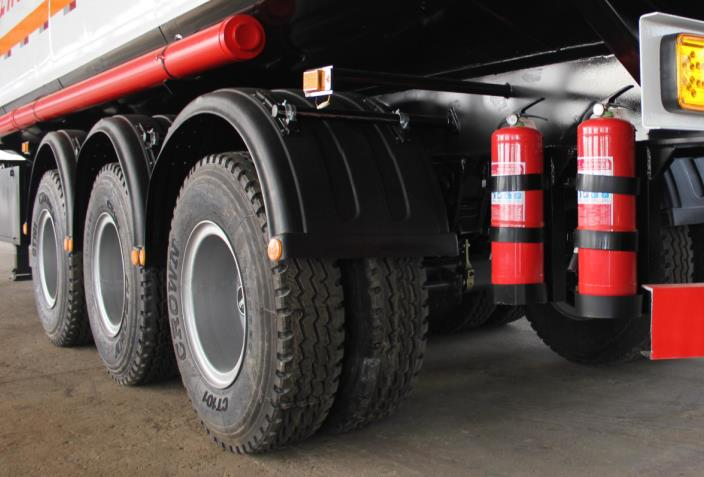 Double tires tank trailer